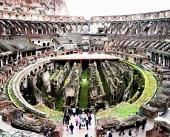 古代ローマの象徴:コロッセオ