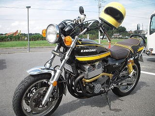 バイクチーム小金MFM ゼファー写真2
