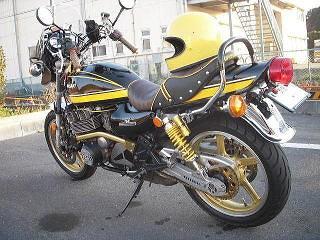 バイクチーム小金MFM ゼファー写真4