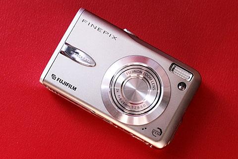 FUJIFILM FinePix F30写真1
