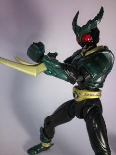 仮面ライダーギルス写真1