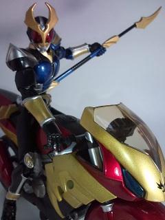 仮面ライダーアギト ストームフォーム写真1